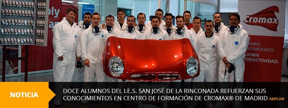 Doce alumnos del I.E.S. San José de la Rinconada refuerzan sus conocimientos en el Centro de Formación de Cromax® de Madrid